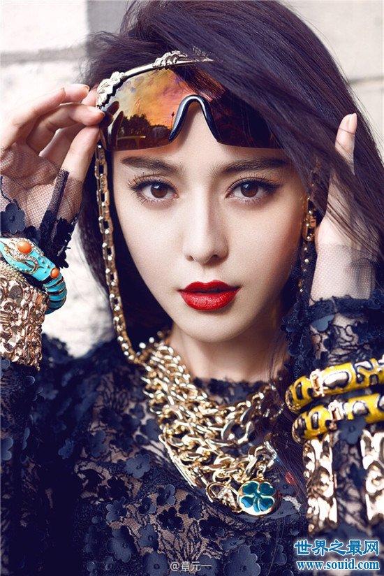 中国五美人展览美国纽约 树立起一抹亮丽的中国红